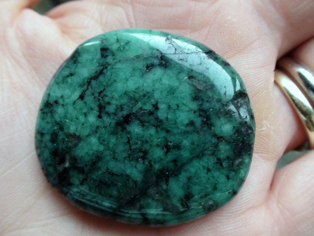 Healing Crystal Emerald Stone