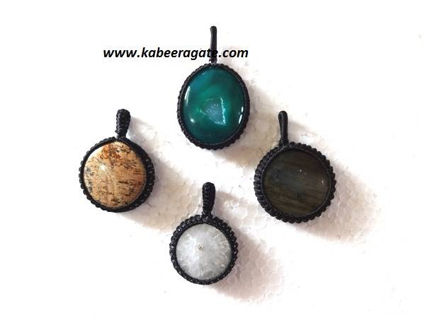 Tibetian Round Shape Netted Pendents